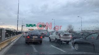 Κυκλοφοριακό «χάος» στους δρόμους της Αθήνας – Πού εντοπίζονται προβλήματα