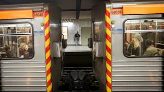 Ένταση και αίματα σε συρμό του μετρό μετά από καυγά