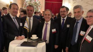 Πώς η Ελλάδα μπαίνει δυνατά στην επενδυτική «σφαίρα» των Αμερικανών