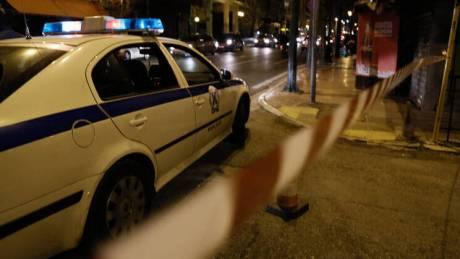 Δολοφονία στην Αχαρνών: Τους πυροβόλησε και τον μαχαίρωσαν