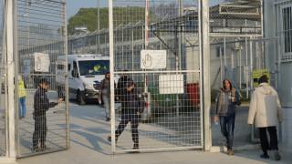 Κάρτες εισόδου–εξόδου και ωράριο: Έρχονται κανόνες λειτουργίας στα κέντρα προσφύγων