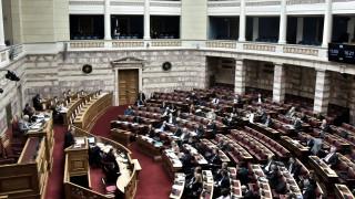 Ιστορική συναίνεση στη Βουλή: Πέρασε με ευρεία πλειοψηφία το ν/σ για ψήφο αποδήμων