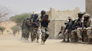 Μακελειό στον Νίγηρα: Δεκάδες νεκροί στρατιώτες σε επίθεση τζιχαντιστών