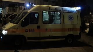 Τροχαίο με τραυματία στη Μεσογείων: Όχημα κατέληξε σε κατάστημα