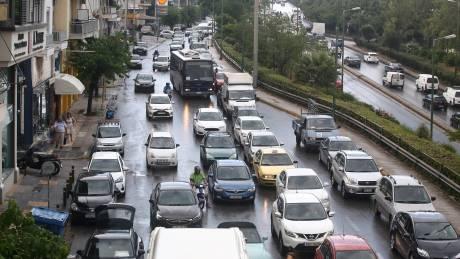 Ουρές χιλιομέτρων στην Εθνική Οδό Αθηνών - Λαμίας μετά από τροχαίο