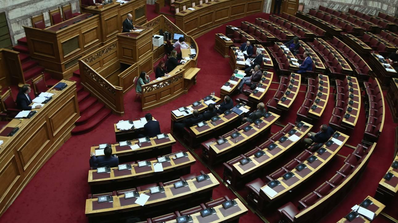 Κόντρα στη Βουλή για τις δηλώσεις Παναγιωτόπουλου ότι ο στρατός έχει ευθύνη εσωτερικής ασφάλειας