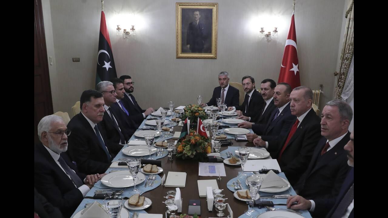 https://cdn.cnngreece.gr/media/news/2019/12/15/200818/photos/snapshot/AP_19333662979377.jpg
