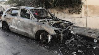 Κολωνάκι: Μπαράζ εμπρηστικών επιθέσεων τα ξημερώματα – Κάηκαν αυτοκίνητα