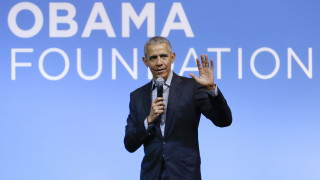 Ομπάμα: Οι γυναίκες αδιαμφισβήτητα καλύτερες από τους άνδρες