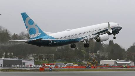Η Boeing διακόπτει την παραγωγή των 737 Max