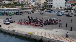 «Φύγετε όλοι»: Επίθεση του δημάρχου Σάμου σε πρόσφυγες και μετανάστες
