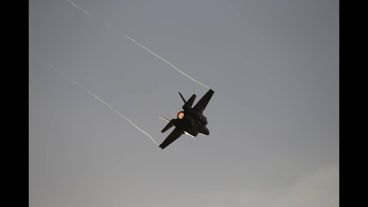 https://cdn.cnngreece.gr/media/news/2019/12/18/201115/photos/snapshot/AP_18360670146569.jpg