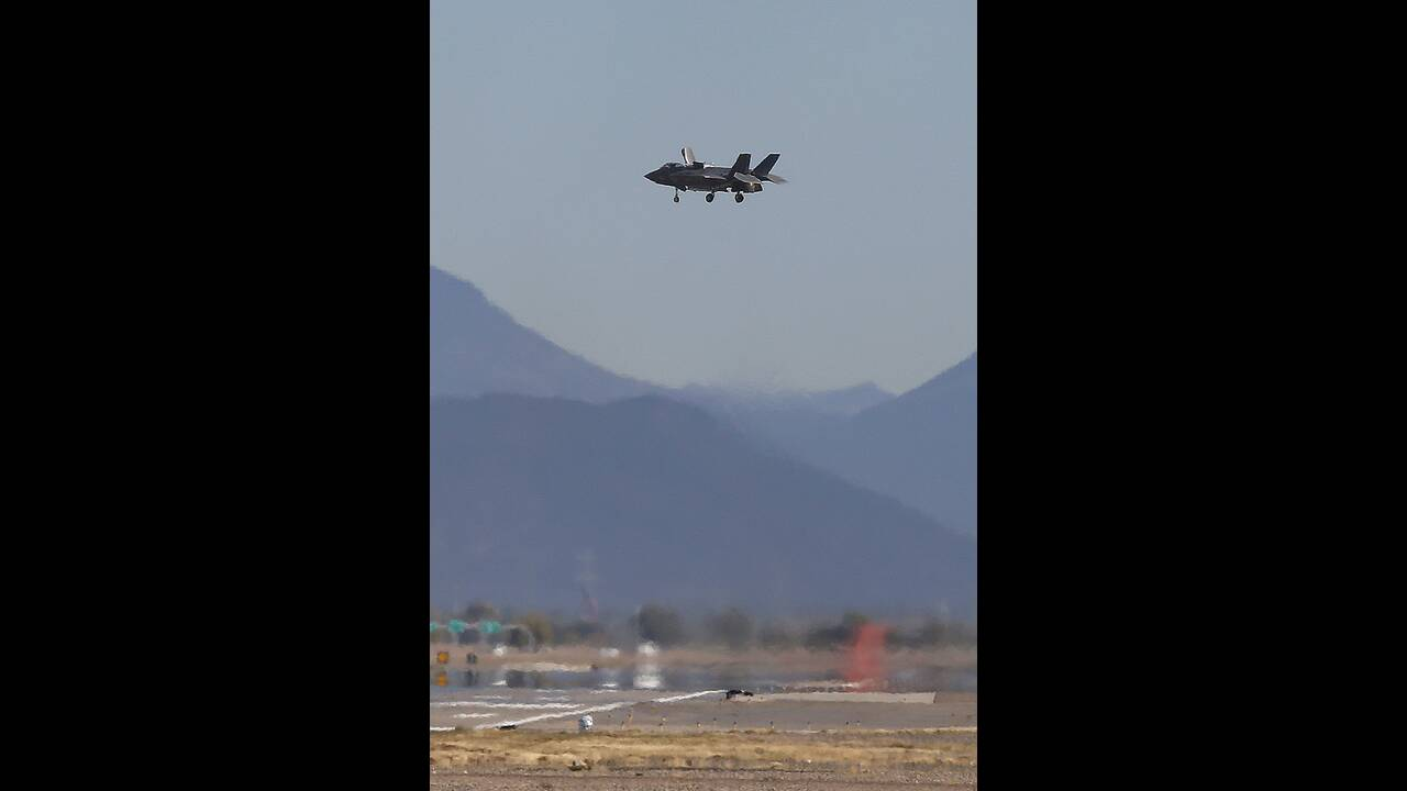 https://cdn.cnngreece.gr/media/news/2019/12/18/201115/photos/snapshot/AP_19038773953235.jpg