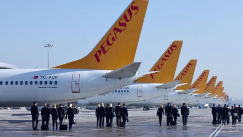 Τρόμος σε πτήση στην Τουρκία: Γυναίκα απειλούσε να ανατινάξει αεροπλάνο