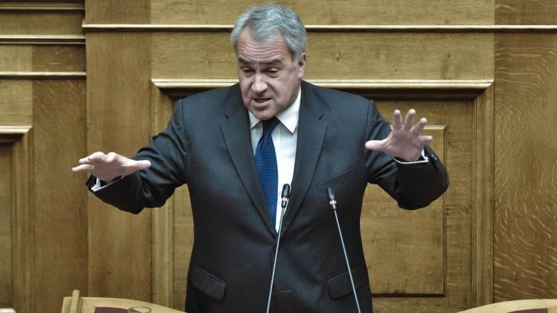 Σφοδρή αντιπαράθεση κυβέρνησης - ΣΥΡΙΖΑ για την αστυνομική επιχείρηση στο Κουκάκι