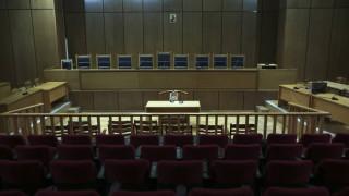 Δίκη Χρυσής Αυγής: Tη μετατροπή όλων των κατηγοριών σε πλημμέλημα ζητά η εισαγγελέας