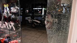 Θεσσαλονίκη: Ομάδα αγνώστων προκάλεσε ζημιές σε εμπορικά καταστήματα στο κέντρο της πόλης