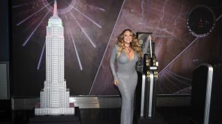 Μαράια Κάρεϊ: Φωταγώγησε το Empire State Building