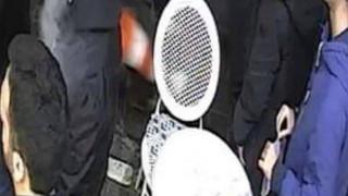 Κάμερες «συνέλαβαν» αντιεξουσιαστές στη Μητροπόλεως