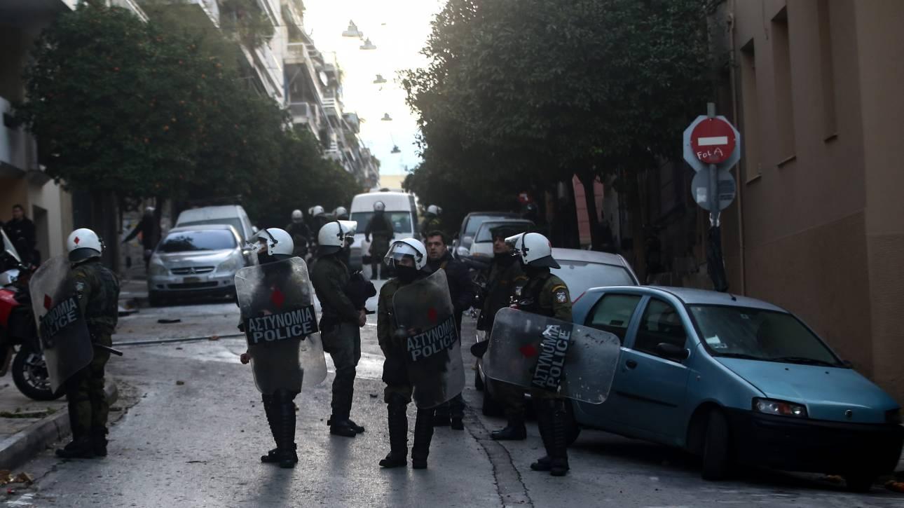 «Πόλεμος» κυβέρνησης - ΣΥΡΙΖΑ για την αστυνομική επιχείρηση στο Κουκάκι