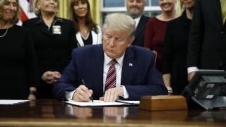 ΗΠΑ: Ο Τραμπ υπογράφει «EastMed Act», F-35 και άρση εμπάργκο όπλων στην Κύπρο