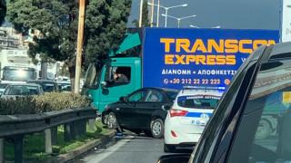 Σύγκρουση οχημάτων στην Εθνική Οδό Αθηνών - Λαμίας
