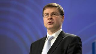Ντομπρόβσκις: Λεπτή άσκηση η μείωση του στόχου για τα πρωτογενή πλεονάσματα