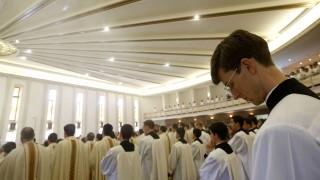 Σάλος στο Μεξικό: 175 παιδιά κακοποιήθηκαν σεξουαλικά από καθολικούς ιερείς