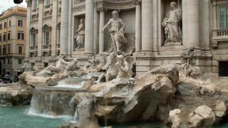 Ιταλία: Πού πάνε τα νομίσματα που ρίχνεις στη Φοντάνα ντι Τρέβι
