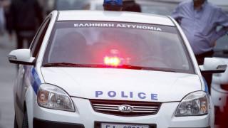 Ληστεία κοσμηματοπωλείου στη Δάφνη: Εμβόλισαν την τζαμαρία με αυτοκίνητο