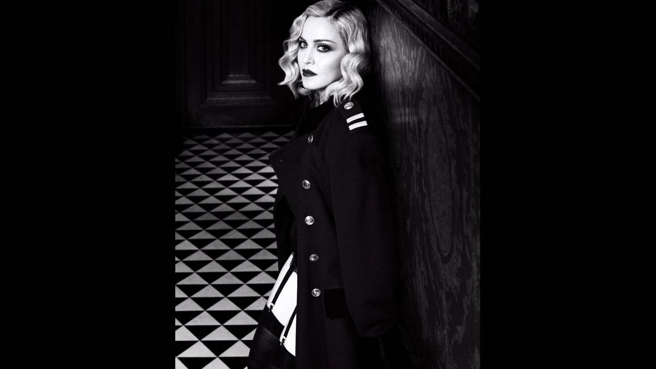 https://cdn.cnngreece.gr/media/news/2019/12/24/201846/photos/snapshot/harpers-bazaar-us-february-2017-madonna-by-luigi-and-iango-08-700x846.jpg