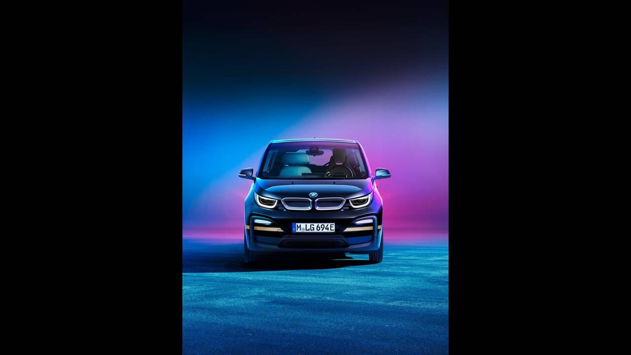 https://cdn.cnngreece.gr/media/news/2019/12/24/201864/photos/snapshot/BMW-URBAN-SUITE-2.jpg