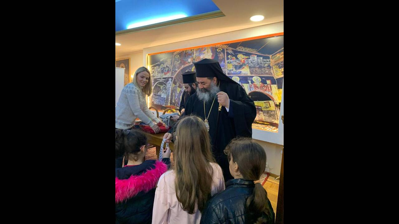 https://cdn.cnngreece.gr/media/news/2019/12/24/201887/photos/snapshot/APOSTOLH-DEMATA-AGAPIS-THRAKI_24Dec19_01.JPG