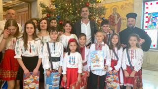 Χορωδίες είπαν τα κάλαντα στον δήμαρχο Αθηναίων