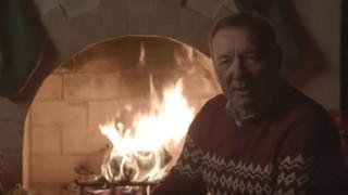 «Σας έλειψα;»: Αινιγματικό χριστουγεννιάτικο βίντεο του Κέβιν Σπέισι