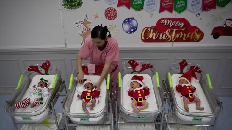 Γιατί γεννιούνται λιγότερα παιδιά τα Χριστούγεννα;
