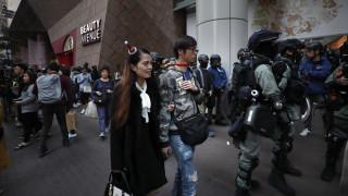 Χονγκ Κονγκ: Διαδηλώσεις κατά της κυβέρνησης και τα Χριστούγεννα
