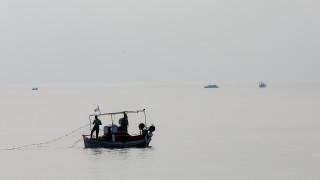 Βίντεο-ντοκουμέντο: Τούρκοι παρενοχλούν Έλληνες ψαράδες στα Ίμια