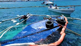 Γκαλαπάγκος: Βίντεο από τη στιγμή που χιλιάδες λίτρα καυσίμου πέφτουν στη θάλασσα