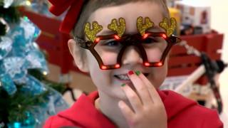 Μαθήματα ζωής: 6χρονη που νίκησε τη λευχαιμία βοηθάει παιδιά ασθενείς