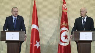 Yeni Safak: Ο Ερντογάν ζήτησε από την Τυνησία λιμάνι για το στόλο του