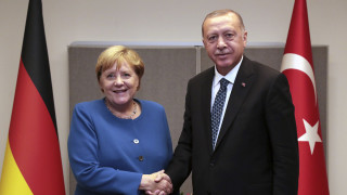 Στην Τουρκία η Μέρκελ για το προσφυγικό