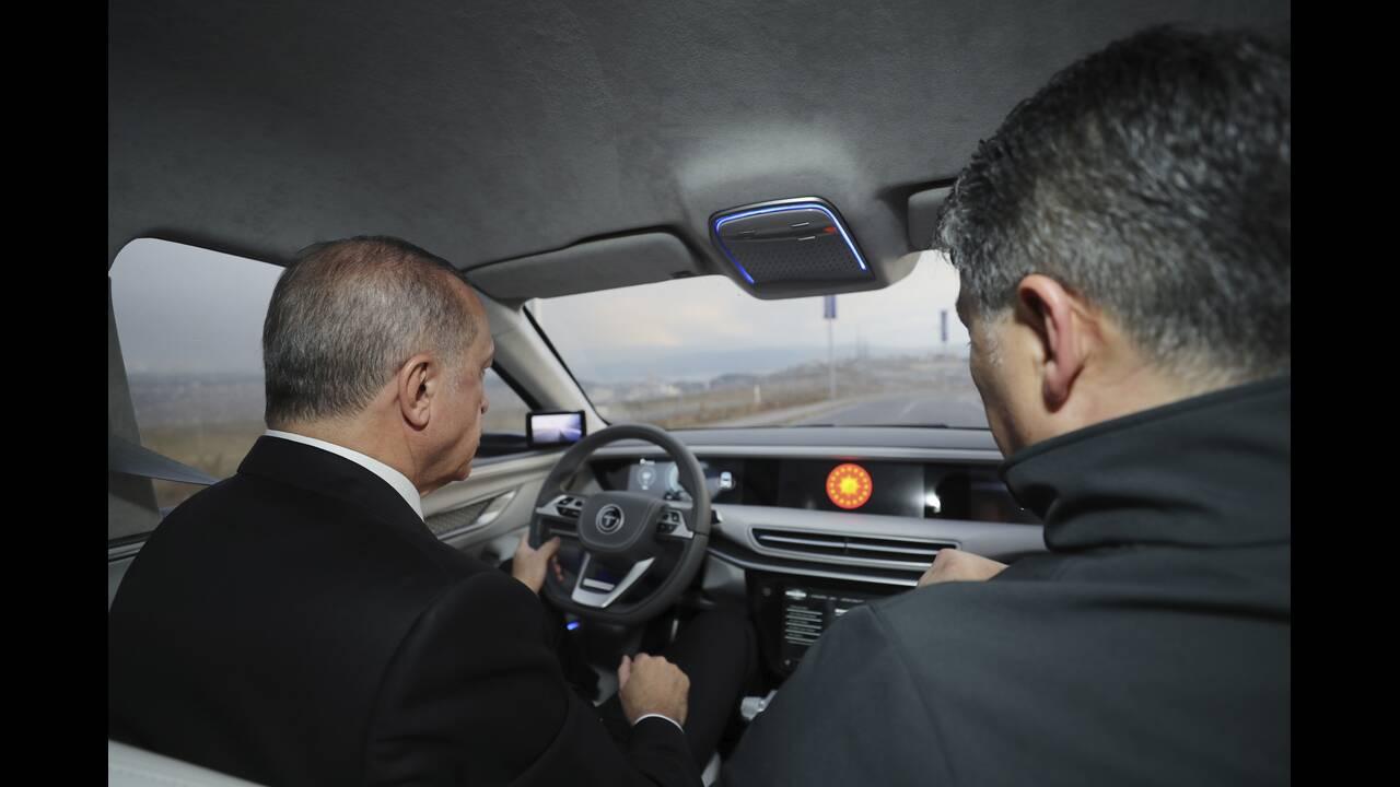 https://cdn.cnngreece.gr/media/news/2019/12/27/202189/photos/snapshot/erdogan-togg-4.jpg