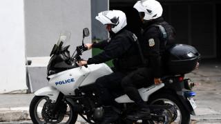 Περίεργη καταδίωξη στο Χαϊδάρι: Ο οδηγός εμβόλισε ΙΧ και διέφυγε πηδώντας από ταράτσα σε... ταράτσα