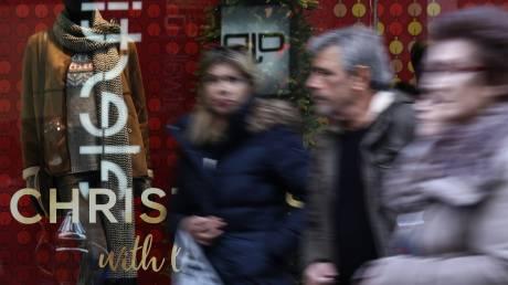 Εορταστικό ωράριο: Ποιες ώρες θα είναι ανοιχτά τα καταστήματα μέχρι την Πρωτοχρονιά