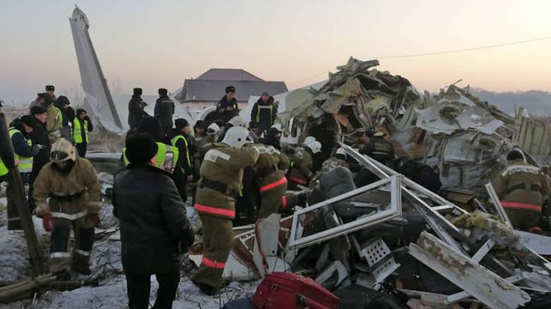 Αεροπορική τραγωδία στο Καζακστάν: «Πανικός με ουρλιαχτά και κλάματα»