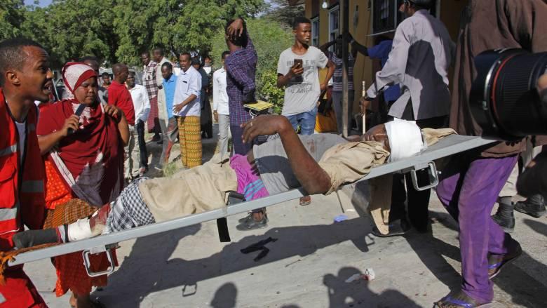 Μακελειό στη Σομαλία: Έκρηξη παγιδευμένου οχήματος με δεκάδες νεκρούς