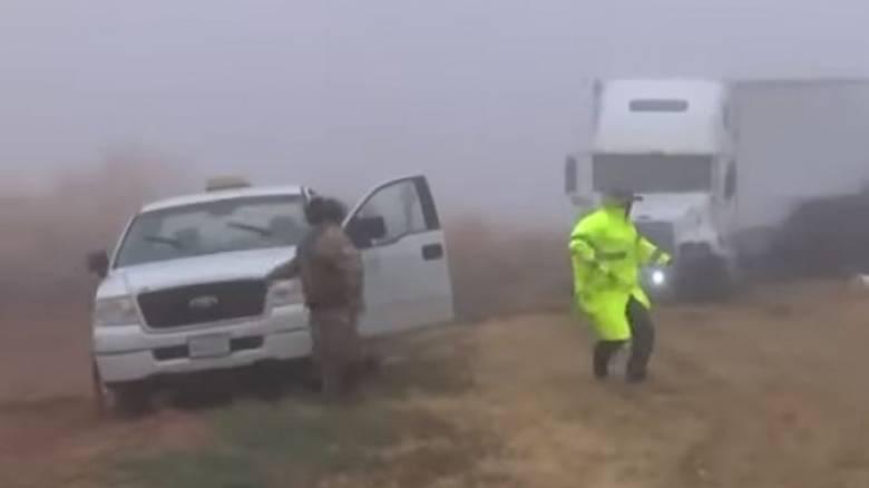 Σοκαριστικό βίντεο: Φορτηγό εκτός ελέγχου παρασύρει ό,τι βρίσκει στο διάβα του
