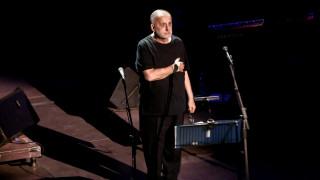 Θάνος Μικρούτσικος: H αστείρευτη δισκογραφία του μουσικοσυνθέτη