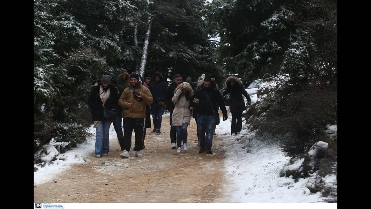 https://cdn.cnngreece.gr/media/news/2019/12/29/202310/photos/snapshot/2801237.jpg